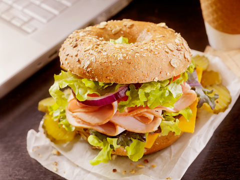 Focus On Foreground「Turkey Bagel Sandwich at your Desk」:スマホ壁紙(17)