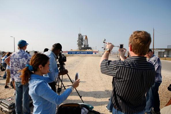 Hubble Space Telescope「NASA Prepares For Launch of Space Shuttle Atlantis」:写真・画像(14)[壁紙.com]