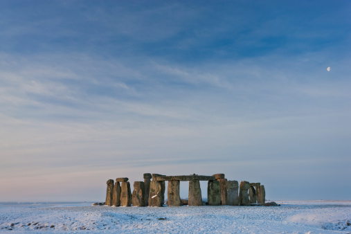 Ancient Civilization「Stonehenge, Wiltshire, England in winter snow」:スマホ壁紙(0)