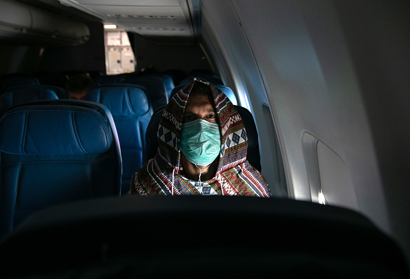 Flying「Coronavirus Pandemic Causes Climate Of Anxiety And Changing Routines In America」:写真・画像(15)[壁紙.com]