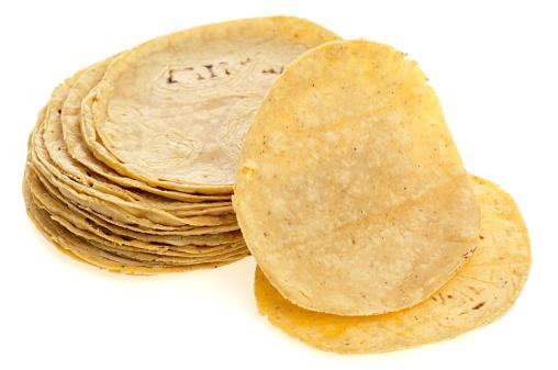 Tortilla - Flatbread「Corn tortilla on white」:スマホ壁紙(2)