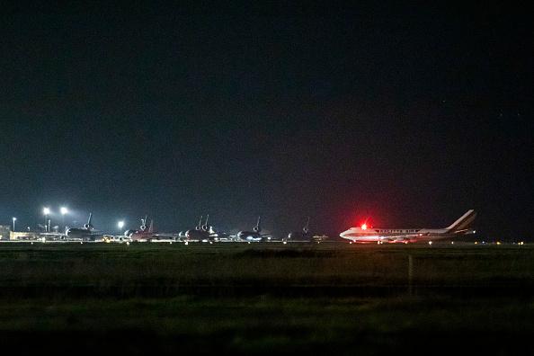 Passenger Craft「Flight Evacuating American Cruise Ship Passengers Exposed To Coronavirus In Japan Arrives In US」:写真・画像(12)[壁紙.com]