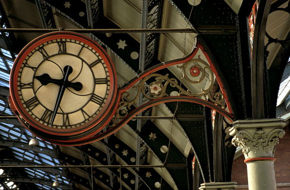 Finance and Economy「The station clock at Darlington Top Bank station. May 1997」:写真・画像(16)[壁紙.com]