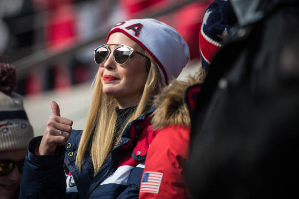2018 Winter Olympics - Pyeongchang「Ivanka Trump Attends Day 16 of PyeongChang Winter Olympics」:写真・画像(5)[壁紙.com]
