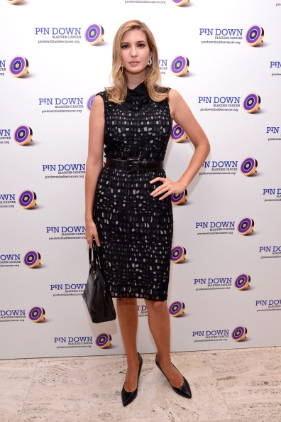 黒「Pin Down Bladder Cancer Launch Event, Hosted By Marvin Traub Associates At the Four Seasons Grill Room」:写真・画像(19)[壁紙.com]