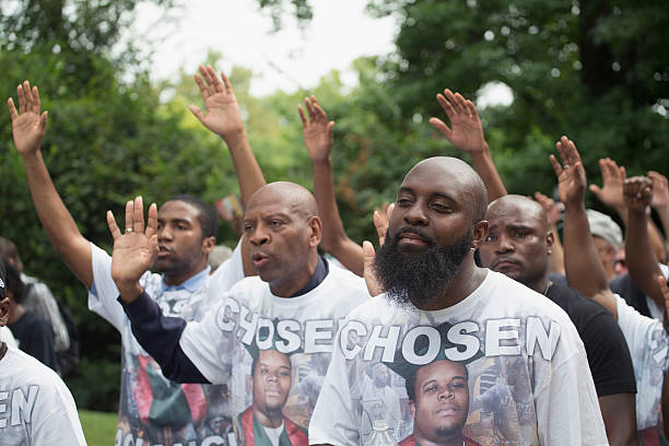 Ferguson, Missouri Marks One-Year Anniversary Of The Death Of Michael Brown:ニュース(壁紙.com)