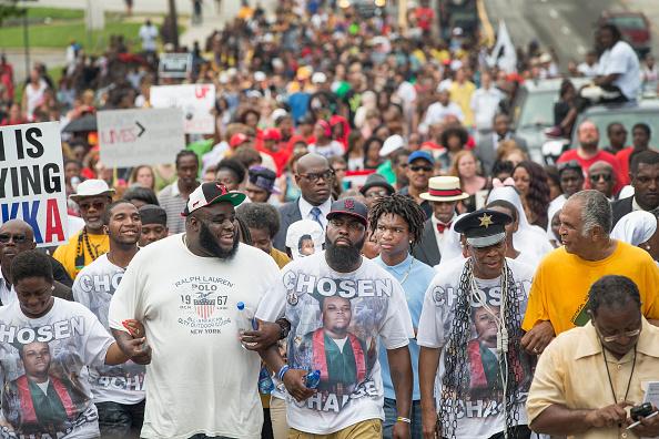 Ferguson - Missouri「Ferguson, Missouri Marks One-Year Anniversary Of The Death Of Michael Brown」:写真・画像(9)[壁紙.com]