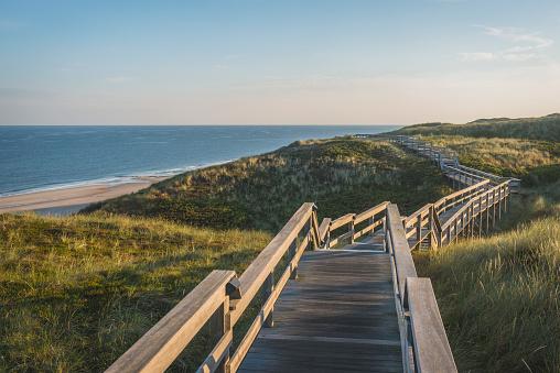 Footbridge「Germany, Sylt, Wenningstedt, boardwalk to the beach」:スマホ壁紙(3)