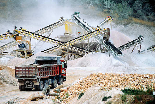 Finance and Economy「Rock crushing and aggregate sorting and loading plant at the Egnatia road project in Northern Greece」:写真・画像(10)[壁紙.com]