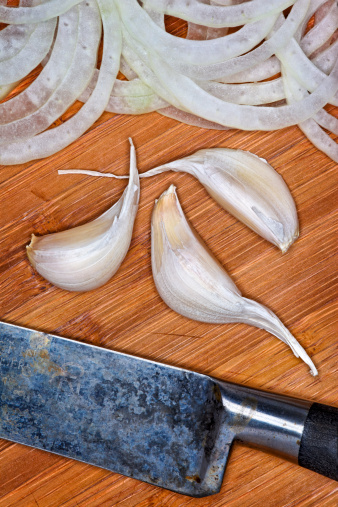 Garlic Clove「Garlic, Sliced Onions, Cutting Board, Knife」:スマホ壁紙(18)