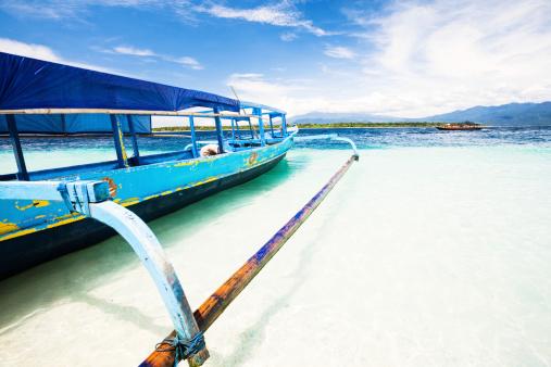 バリ島「ボートでビーチ」:スマホ壁紙(18)