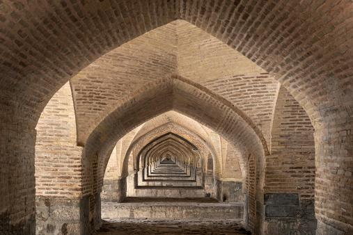 Iranian Culture「Si-o Seh bridge arches lower level,Esfahan, Iran」:スマホ壁紙(0)