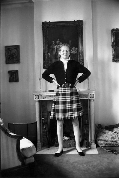 Reg Lancaster「Nancy Mitford」:写真・画像(0)[壁紙.com]
