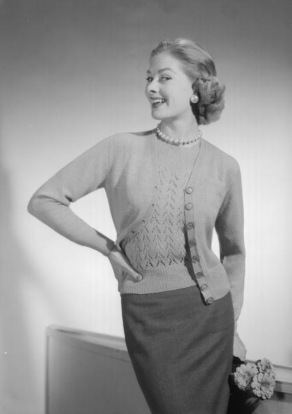 Cardigan Sweater「Twin Set Model」:写真・画像(11)[壁紙.com]