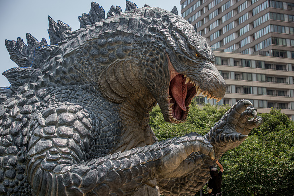 Godzilla「Godzilla Gets Final Touch-up Ahead Of 'MIDTOWN meets GODZILLA' Exhibition」:写真・画像(4)[壁紙.com]