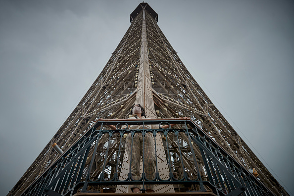 Eiffel Tower「The Eiffel Tower Reopens To Public」:写真・画像(15)[壁紙.com]
