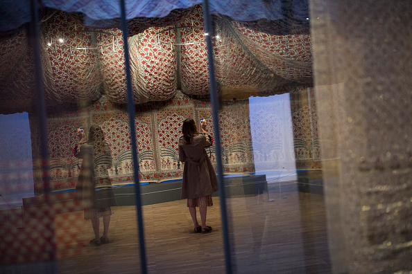 Dan Kitwood「The V&A Museum Opens Its Autumn Exhibtion - The Fabric Of India」:写真・画像(17)[壁紙.com]
