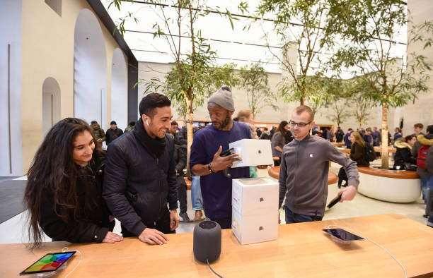 アップルストア「HomePod Launch At Apple Regent Street」:写真・画像(15)[壁紙.com]