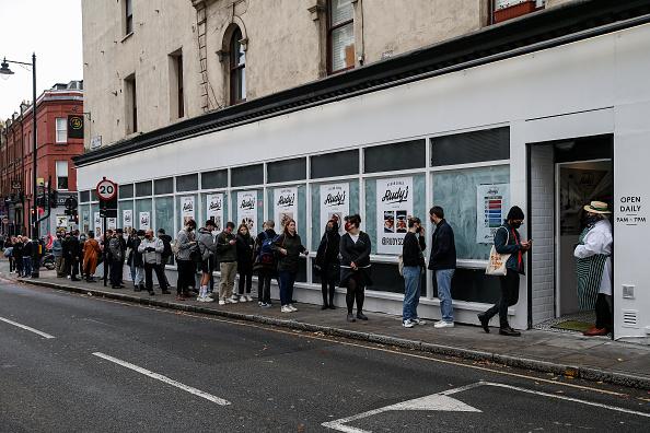 In A Row「Vegan Butcher Opens In North London On World Vegan Day」:写真・画像(16)[壁紙.com]