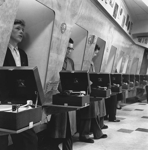 Gramophone「Listening Booths」:写真・画像(12)[壁紙.com]