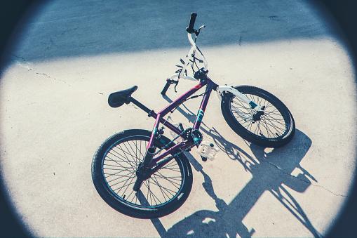 Street Style「Old beaten up bmx bicycle」:スマホ壁紙(9)