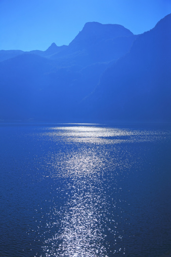 Salzkammergut「Sunlight reflection on surface of lake」:スマホ壁紙(1)