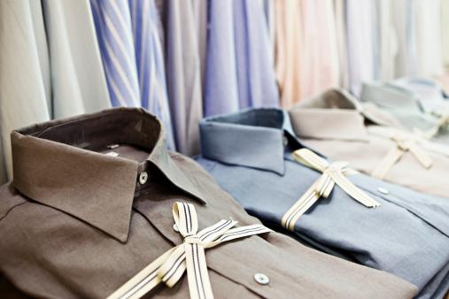 Menswear「Smart shirts tied with striped ribbon in exclusive menswear store」:スマホ壁紙(10)