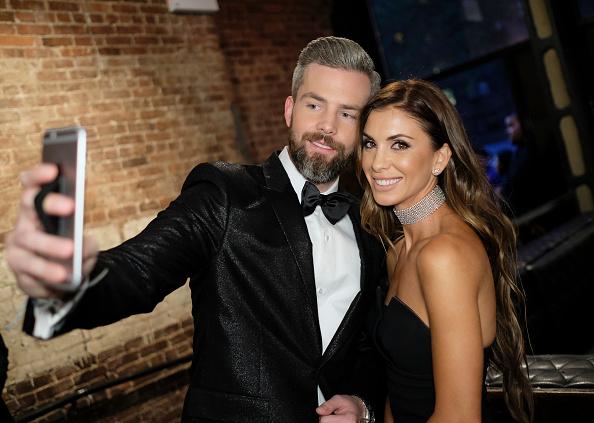 Two People「Ryan Serhant Hosts Million Dollar Listing: New York Season 6 Premiere Party」:写真・画像(12)[壁紙.com]