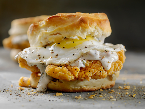 Deep Fried「Fried Chicken Sandwich with a Fried Egg,Sausage Gravy on a Biscuit」:スマホ壁紙(1)