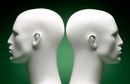 Male Likeness「Mannequin Heads Facing Away」:スマホ壁紙(15)