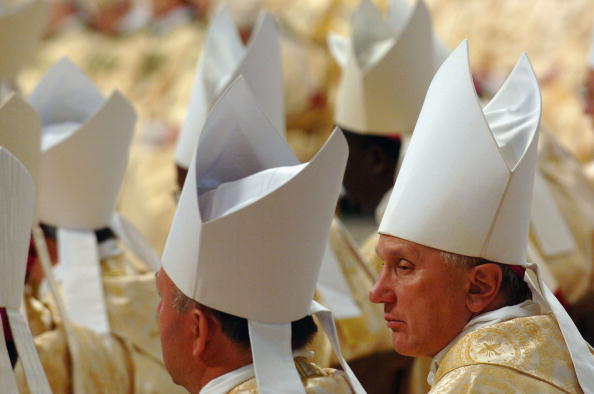 Religious Mass「Pope Opens Bishops Synod With Mass In St. Peter?s Basilica」:写真・画像(7)[壁紙.com]