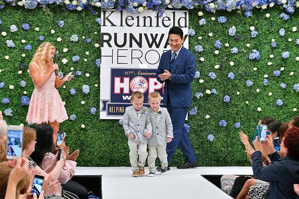 Masahiro Tanaka「Runway Heroes Walk With The Yankees At Kleinfeld」:写真・画像(16)[壁紙.com]