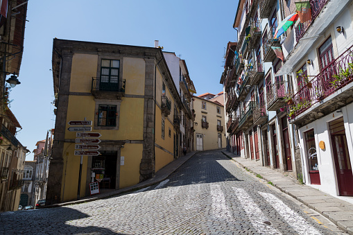 バケーション「Quiet street in Porto」:スマホ壁紙(10)