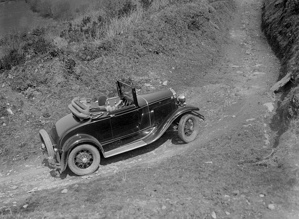 Steep「Kitty Brunell Driving A 1930 2-Seater Ford Model A」:写真・画像(12)[壁紙.com]