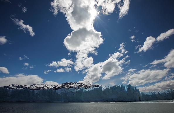 モレノ氷河「Global Warming Impacts Patagonia's Massive Glaciers」:写真・画像(13)[壁紙.com]