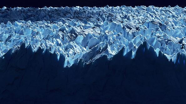 Melting「Global Warming Impacts Patagonia's Massive Glaciers」:写真・画像(15)[壁紙.com]