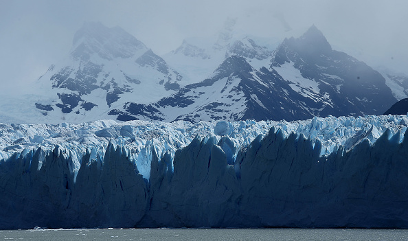 Glacier「Global Warming Impacts Patagonia's Massive Glaciers」:写真・画像(11)[壁紙.com]