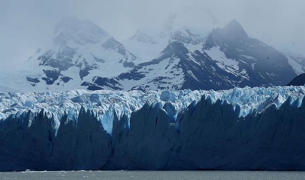 Melting「Global Warming Impacts Patagonia's Massive Glaciers」:写真・画像(16)[壁紙.com]