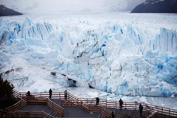 モレノ氷河「Global Warming Impacts Patagonia's Massive Glaciers」:写真・画像(10)[壁紙.com]