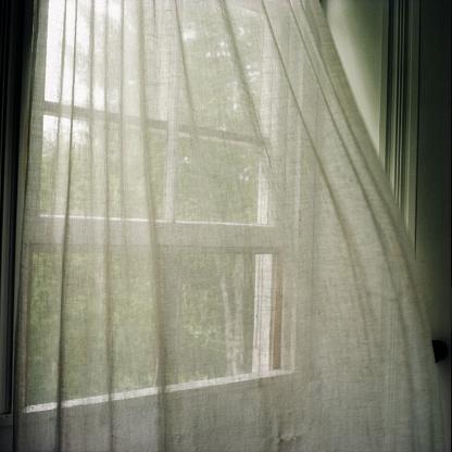 Curtain「Window Curtains Blown by Breeze」:スマホ壁紙(0)