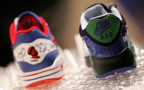 Nike - Designer Label「Eminem & Nike - Trainer Auction At Nike Town」:写真・画像(11)[壁紙.com]