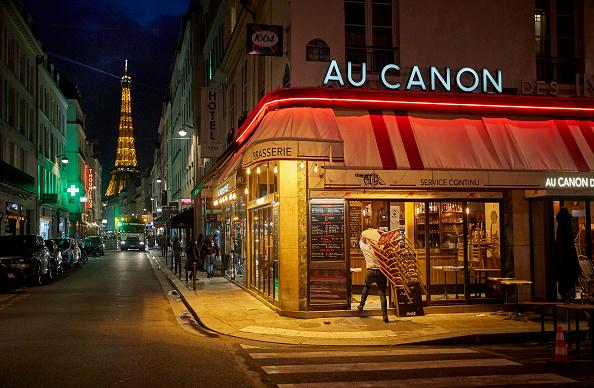 France「Paris Under Coronavirus Curfew」:写真・画像(5)[壁紙.com]