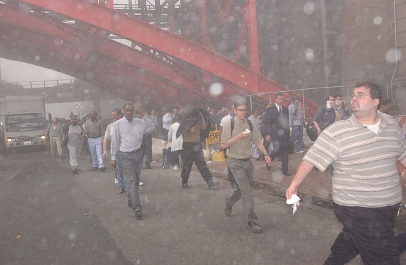 People「World Trade Center Attacked by Airplane」:写真・画像(14)[壁紙.com]
