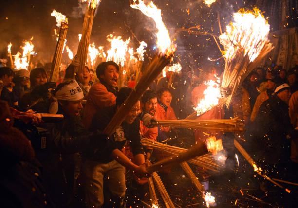 トップランキング「Nozawaonsen Dosojin Fire Festival」:写真・画像(19)[壁紙.com]