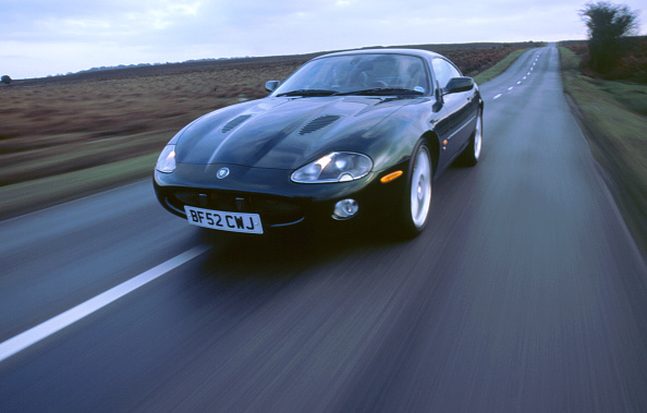 Environmental Conservation「2002 Jaguar XKR coupe」:写真・画像(19)[壁紙.com]