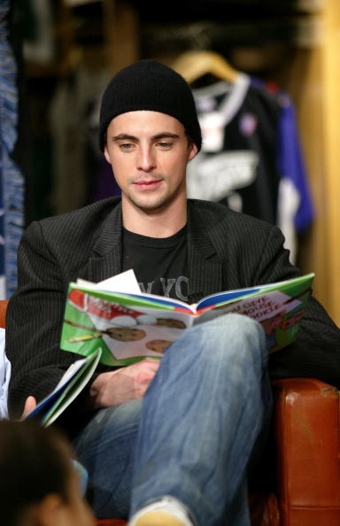 Scott Moore「Mandy Moore And Matthew Goode Visit The NBA Store For A Reading  Timeout 6024f34fa