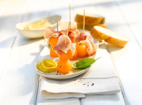 メロン「Melon bacon appetizer, curry sauce, finger food」:スマホ壁紙(0)