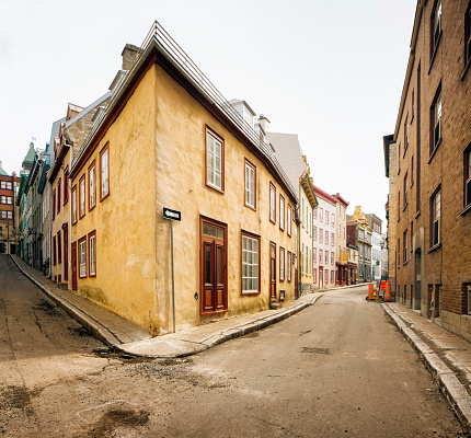 19th Century「Empty street intersection in Old Quebec City」:スマホ壁紙(18)
