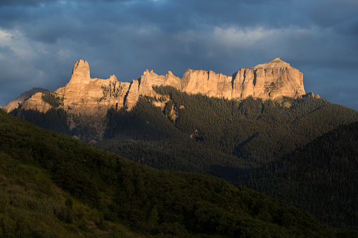 Uncompahgre National Forest「Courthous Mt at sunset」:スマホ壁紙(14)