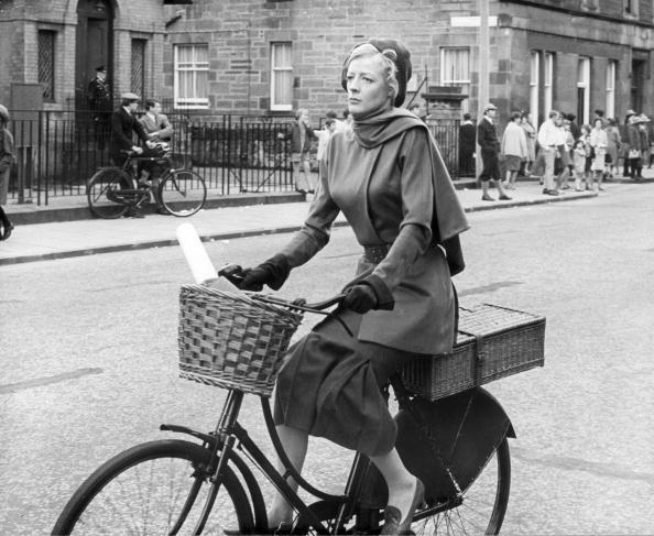 Movie「Cycling Miss Brodie」:写真・画像(3)[壁紙.com]